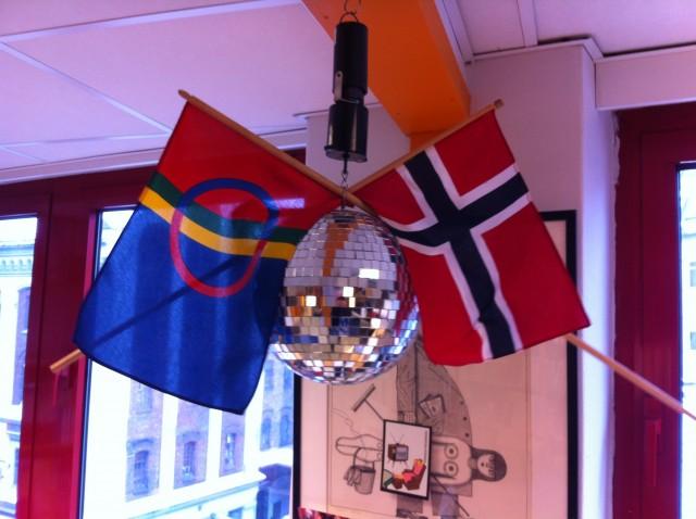 Dagen er offesiel flaggdag i Noreg. Alle offentlege bygg skal flagge med det norske flagg.
